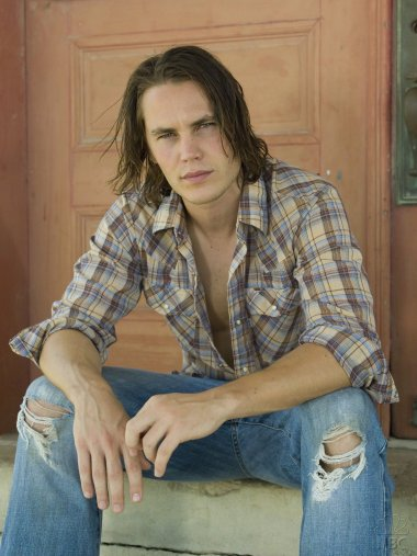 Tim-Riggins-friday-night-lights-561367_1124_1500